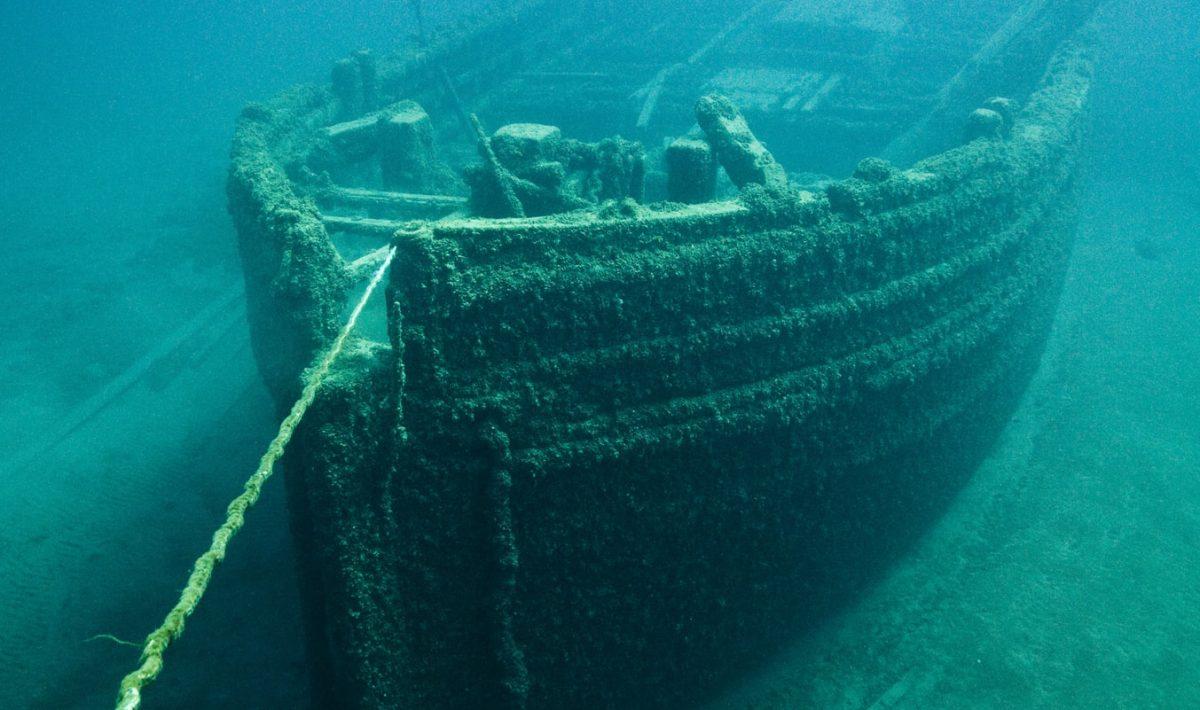 Gezonken schip onderwater
